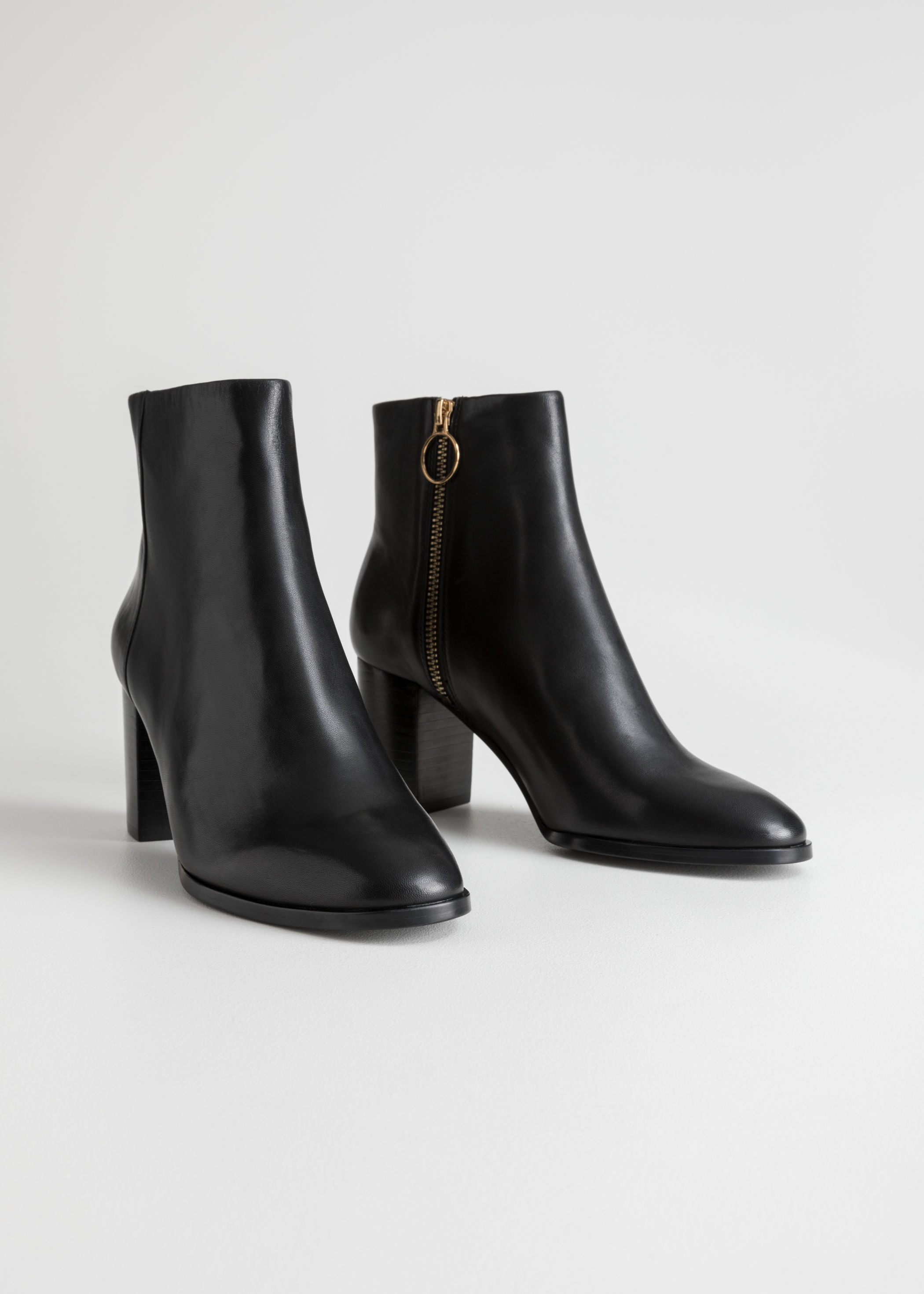 O Ring Zipper Leather Ankle Boots